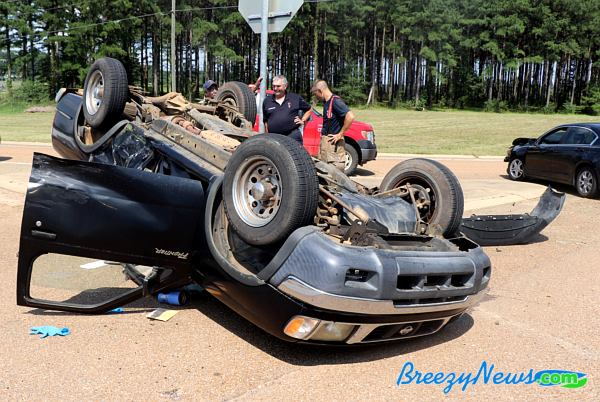 MVA Rollover on 43 (Video) - BreezyNews com - Kosciusko News 24/7